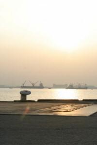 青海埠頭の朝焼け