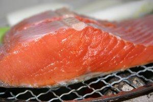 紅鮭、焼く前