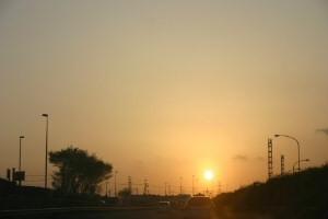 東名高速で見た夕日