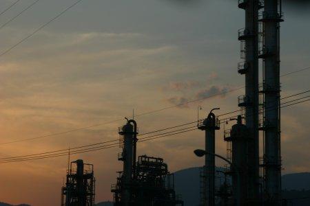 工場地帯の夕暮れ