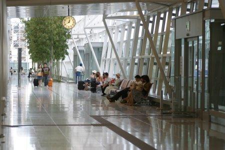 空港ロビー