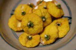 乾燥させた柚子