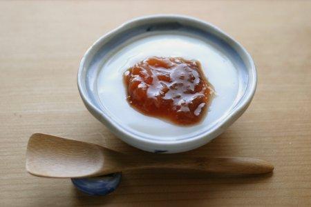 ミルク葛ゼリーとプルーンの梅シロップ煮