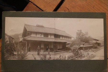綾子の生家、明治44年7月撮影
